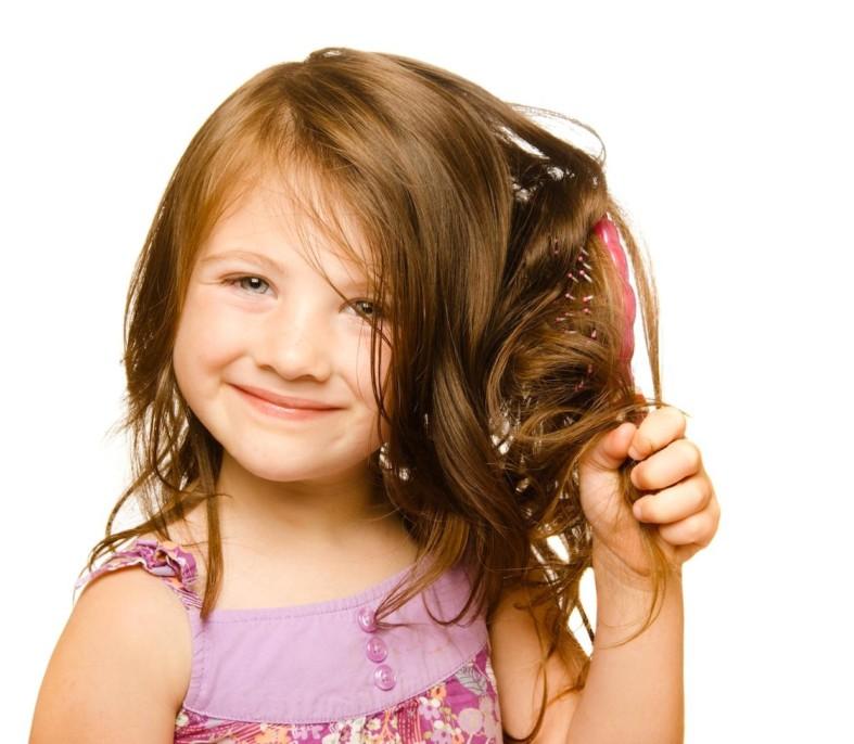 Крепкие волосы у ребенка