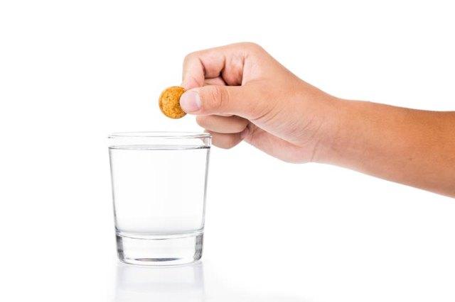 Витамин и стакан