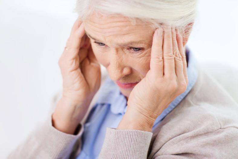 Головая боль у жещины